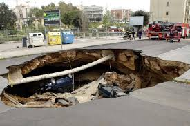 Water damaged pipe lateral lining fixes pipe lining supply i noticed several sewer collapses here in the los angeles basin after record setting rain the collapses happen on big pipe as well as small pipe solutioingenieria Images